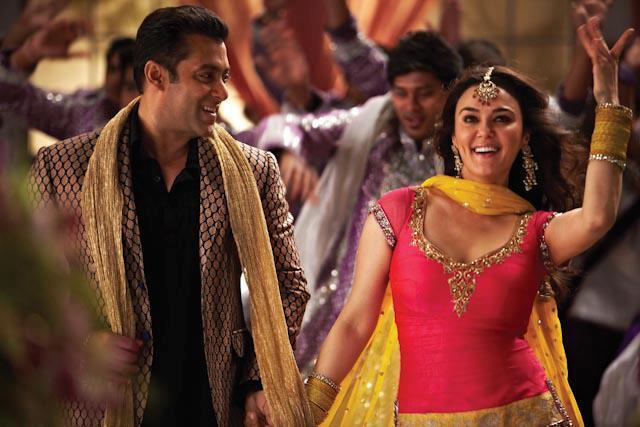 India viaggio nel mondo di Bollywood, tra colori, cucina e amori impossibili