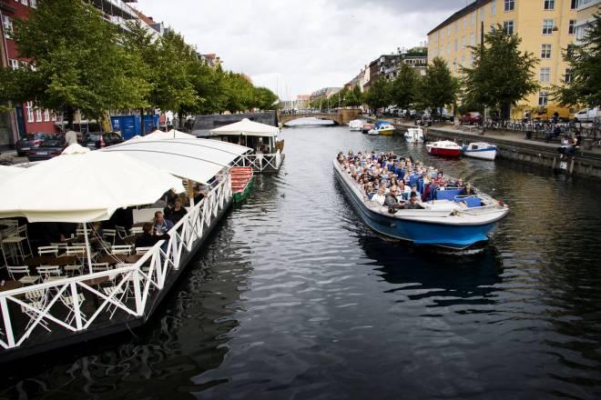 Christianshavns Kanal. Christianshavns bŒdudlejning i forgrunden