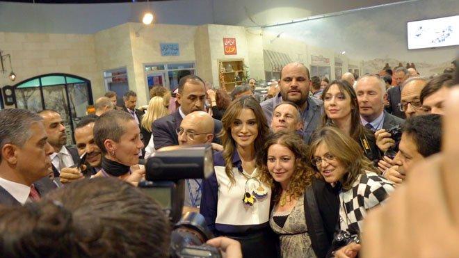 Rania con delegazione giornalisti italiani