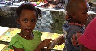 bambini in pasticceria
