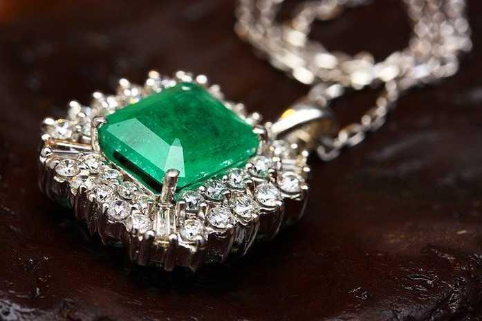 smeraldo gioiello